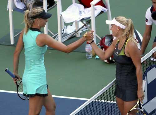 Sharapova - Wozniacki: 3 set kịch chiến (WTA Finals) - 1
