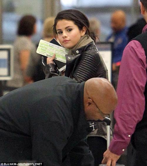 "Selena Gomez ""lén lút hẹn hò"" Orlando Bloom? - 3"