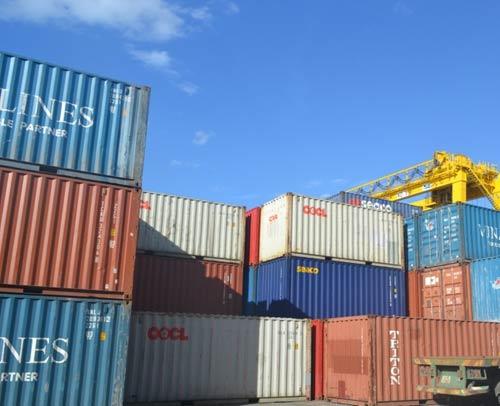 """Hàng trăm container """"hàng cấm"""" vẫn dồn ứ tại cảng Đà Nẵng - 1"""