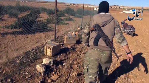 Vũ khí tiếp tế Mỹ rơi vào tay IS ở thị trấn Kobani - 4