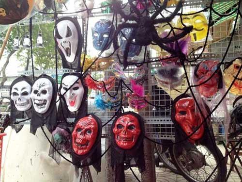 Thị trường Halloween: Hàng Trung Quốc áp đảo - 1