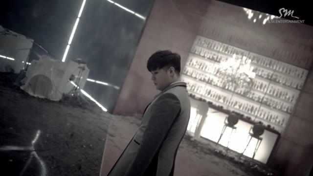 """Super Junior khiến fan """"chóng mặt"""" với MV tình yêu - 5"""