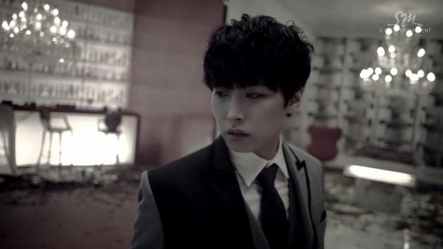 """Super Junior khiến fan """"chóng mặt"""" với MV tình yêu - 7"""