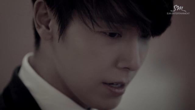 """Super Junior khiến fan """"chóng mặt"""" với MV tình yêu - 8"""