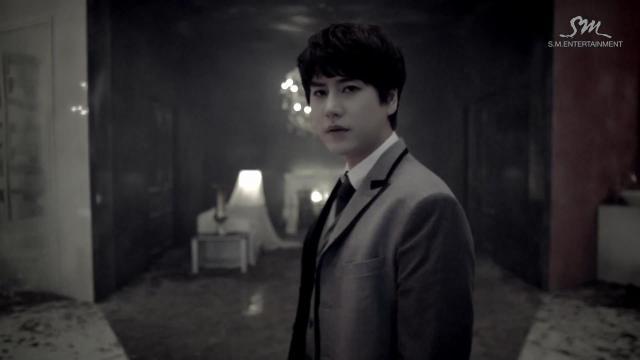 """Super Junior khiến fan """"chóng mặt"""" với MV tình yêu - 9"""