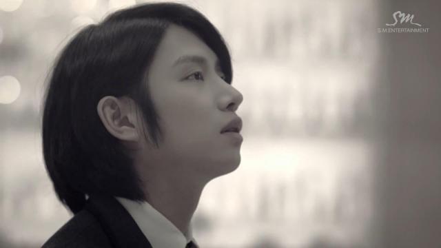 """Super Junior khiến fan """"chóng mặt"""" với MV tình yêu - 10"""