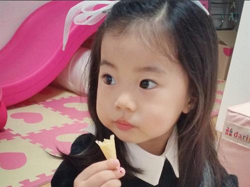 Sao nhí Hàn 3 tuổi hút hơn 700.000 fan - 6