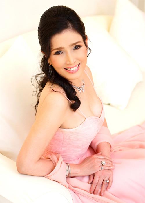 Hoa hậu Hoàn vũ 67 tuổi vẫn trẻ đẹp như thiếu nữ - 3