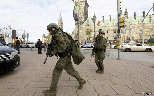 Nhà Quốc hội Canada bị tấn công, Thủ tướng sơ tán - 2