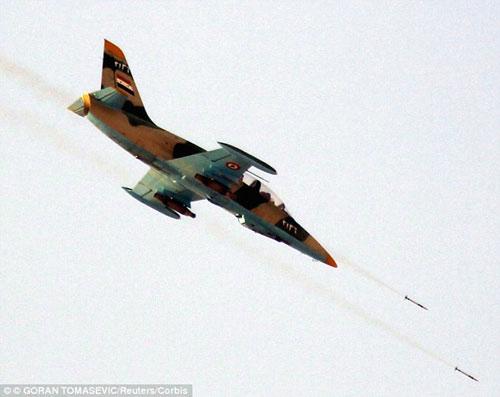 Syria tiêu diệt 2 máy bay chiến đấu của phiến quân IS - 1