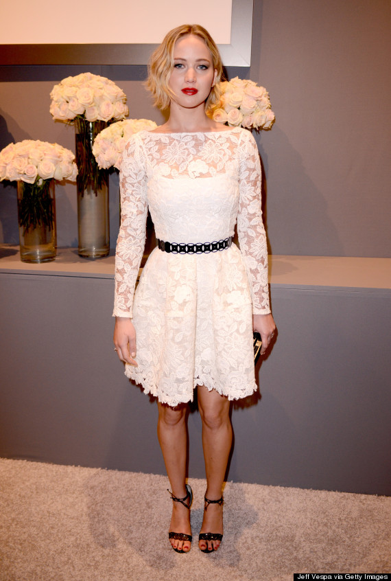 Sau vụ ảnh nóng, Jennifer Lawrence khoe nhẫn đính hôn - 8