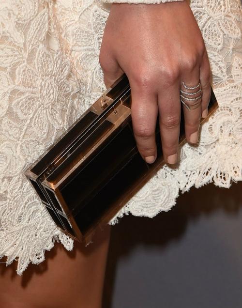 Sau vụ ảnh nóng, Jennifer Lawrence khoe nhẫn đính hôn - 7
