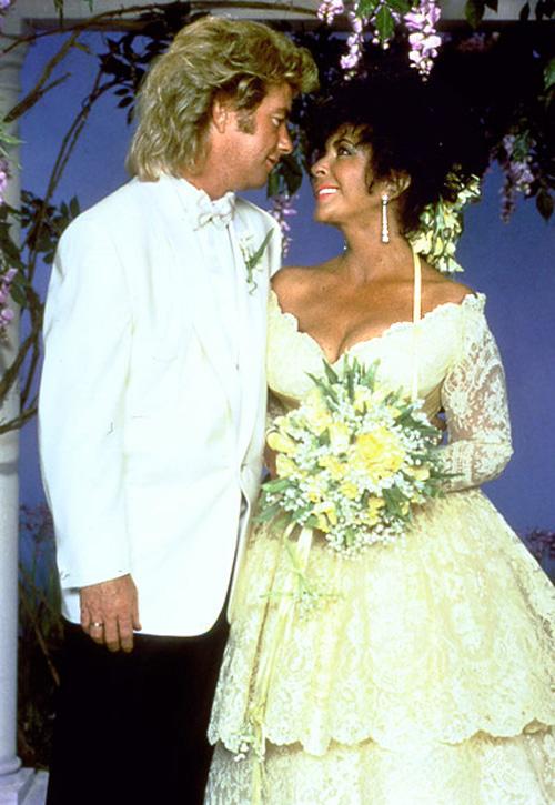 Ảnh chưa từng tiết lộ về lễ cưới lớn nhất lịch sử Hollywood - 7