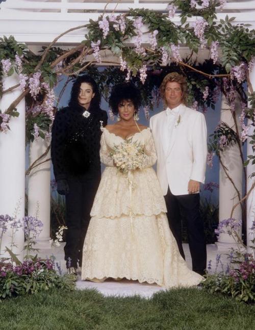 Ảnh chưa từng tiết lộ về lễ cưới lớn nhất lịch sử Hollywood - 8