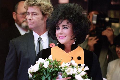 Ảnh chưa từng tiết lộ về lễ cưới lớn nhất lịch sử Hollywood - 6
