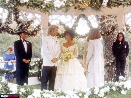 Ảnh chưa từng tiết lộ về lễ cưới lớn nhất lịch sử Hollywood - 3