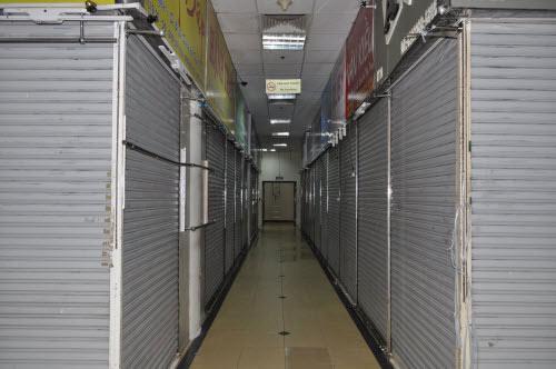 TP.HCM: Tiểu thương chợ An Đông đồng loạt phản đối vì giá thuê sạp quá cao - 14