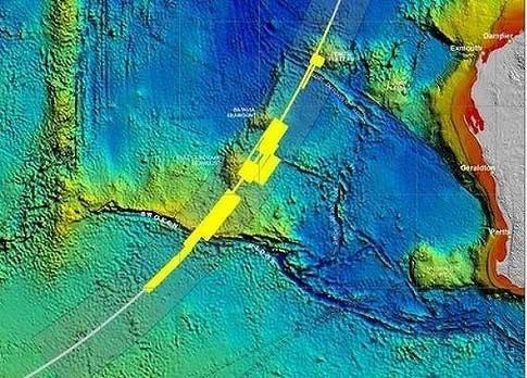 Mảnh vỡ MH370 có thể đã dạt vào bờ biển Indonesia - 3