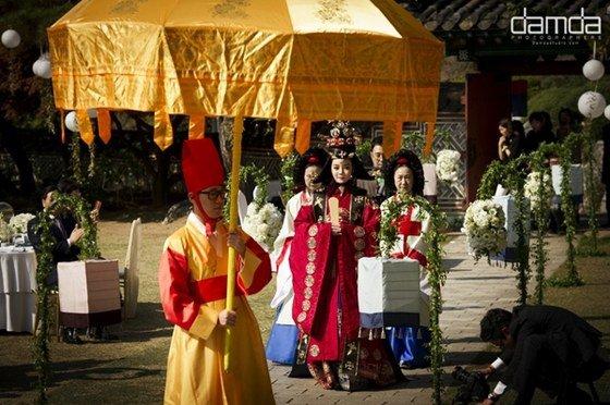 Chae Rim như hoàng hậu trong đám cưới lần 2 - 5