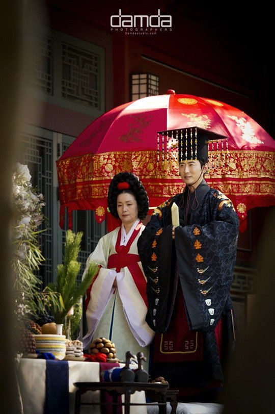 Chae Rim như hoàng hậu trong đám cưới lần 2 - 2