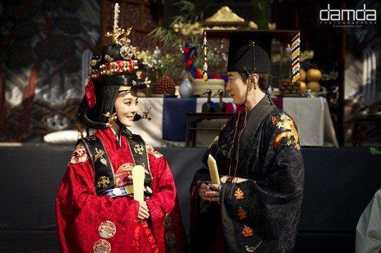 Chae Rim như hoàng hậu trong đám cưới lần 2 - 1