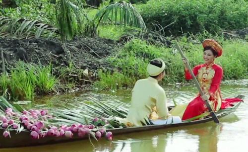 Vân Trang chèo đò rước... chàng về dinh - 3