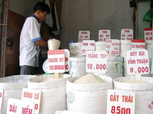 Xuất khẩu gạo ưu đãi người ngoài? - 1