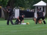 Mỹ: Đột nhập Nhà Trắng, đá bay chó nghiệp vụ