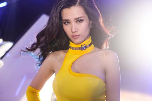 """Đông Nhi lột xác gợi cảm trong MV """"bom tấn"""" - 8"""