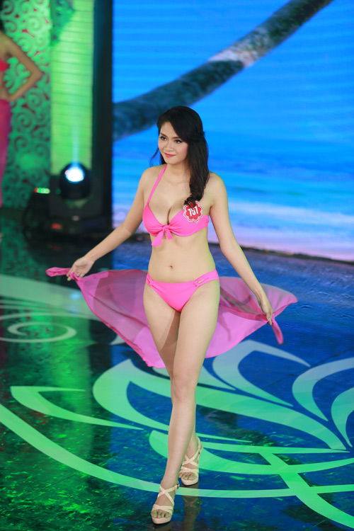 Ngây ngất ngắm thí sinh Hoa hậu VN 2014 diện bikini - 7