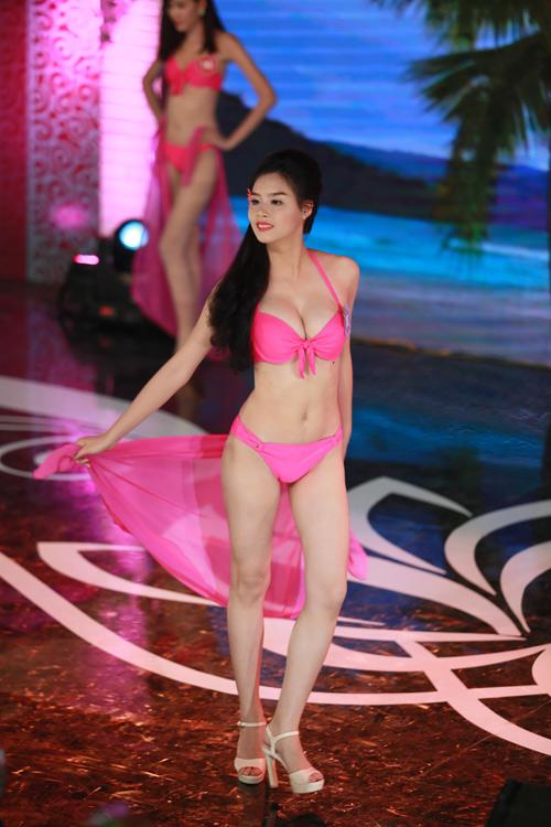 Ngây ngất ngắm thí sinh Hoa hậu VN 2014 diện bikini - 1