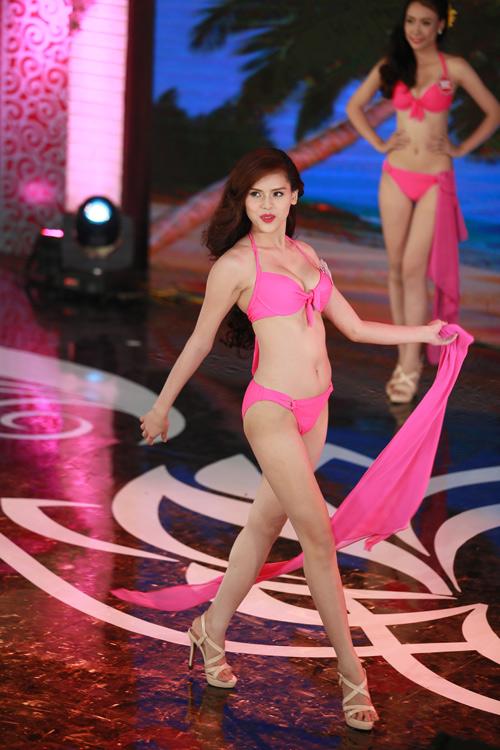 Ngây ngất ngắm thí sinh Hoa hậu VN 2014 diện bikini - 19