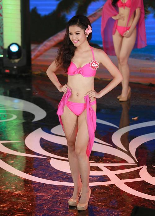 Ngây ngất ngắm thí sinh Hoa hậu VN 2014 diện bikini - 5