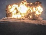 Clip: Bom Mỹ thổi bay IS ở ngọn đồi chiến lược