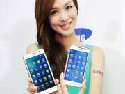 Những mỹ nữ đẹp dịu dàng bên smartphone