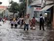 TP.HCM: Học sinh lội nước về nhà sau tan học