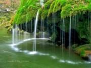 Thác nước giống rèm cửa đẹp lung linh ở châu Âu