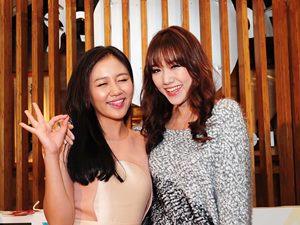 Văn Mai Hương, Hari Won đọ vẻ đáng yêu