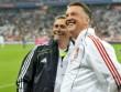 Van Gaal 'miễn dịch' với đòn tâm lý chiến từ Mourinho