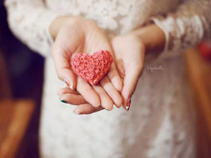 Thơ tình: Trả lại yêu thương