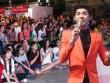 Hàng ngàn fan nữ ngồi bệt xem Noo Phước Thịnh