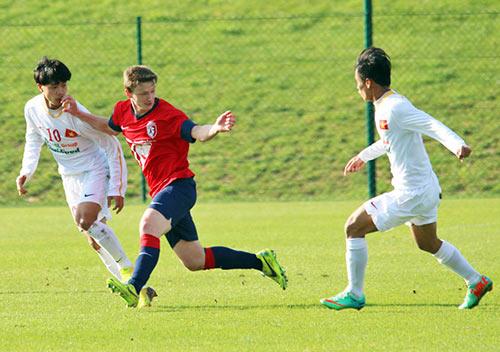 U19 VN gây ấn tượng với HLV U19 Lille - 7
