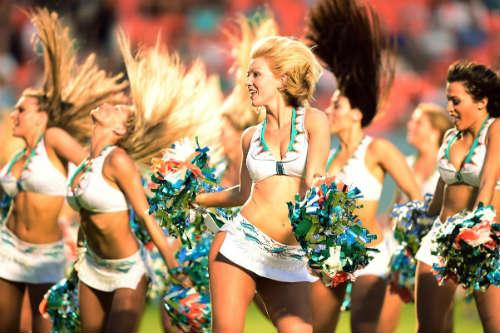 """Dàn hoạt náo viên """"hâm nóng"""" giải NFL 2014 - 10"""