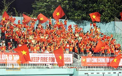 CĐV đặc biệt của tuyển nữ Việt Nam - 1