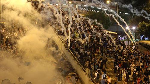 Cảnh sát đàn áp cuộc biểu tình lớn nhất Hong Kong - 6