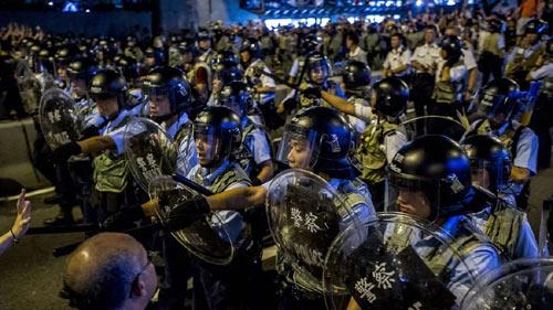 Cảnh sát đàn áp cuộc biểu tình lớn nhất Hong Kong - 5