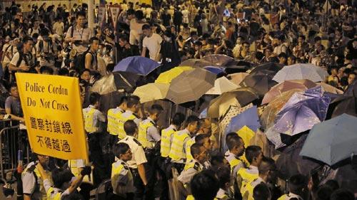 Cảnh sát đàn áp cuộc biểu tình lớn nhất Hong Kong - 4