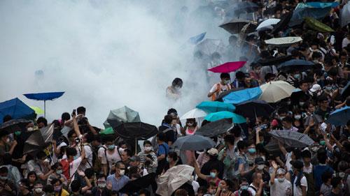 Cảnh sát đàn áp cuộc biểu tình lớn nhất Hong Kong - 8