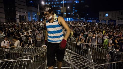 Cảnh sát đàn áp cuộc biểu tình lớn nhất Hong Kong - 3