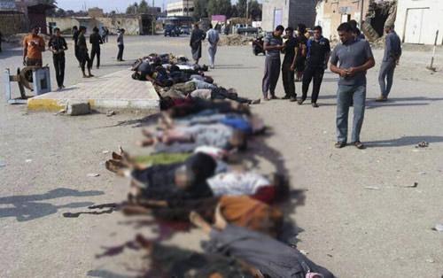 IS thảm sát công khai 46 chiến binh chống đối - 1